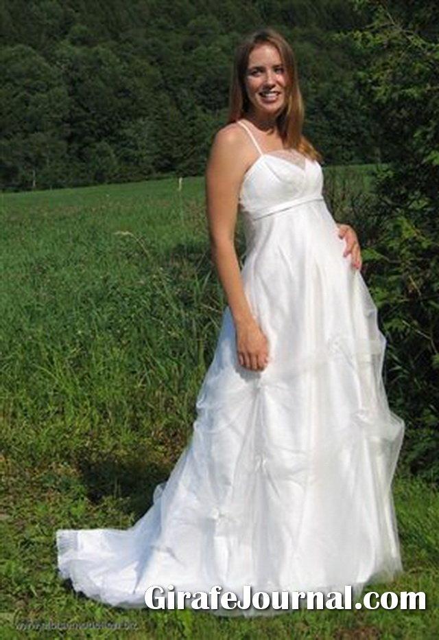 2c468aba9d3811 Як вибрати весільну сукню для вагітної нареченої? фото