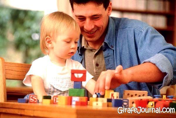 Как правильно и без последствий переодеть очень подвижного малыша?