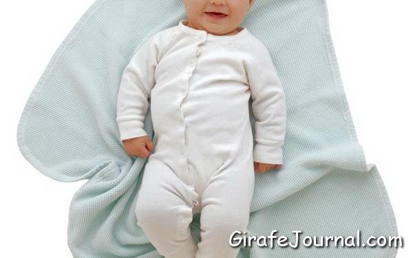 Нужно ли пеленать младенца?