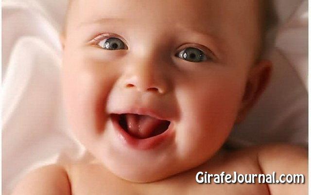 Неспокійний сон у немовлят - безсонні ночі біля мами! фото