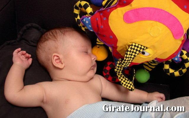 Як прибрати мокроту з гортані новонародженого
