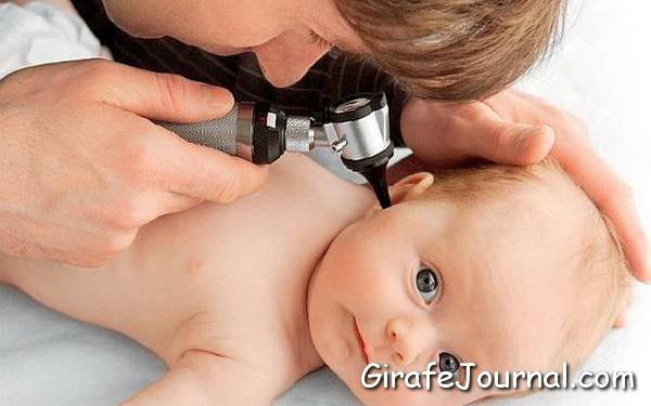 Як вилікувати вухо дитині? Ознаки отиту